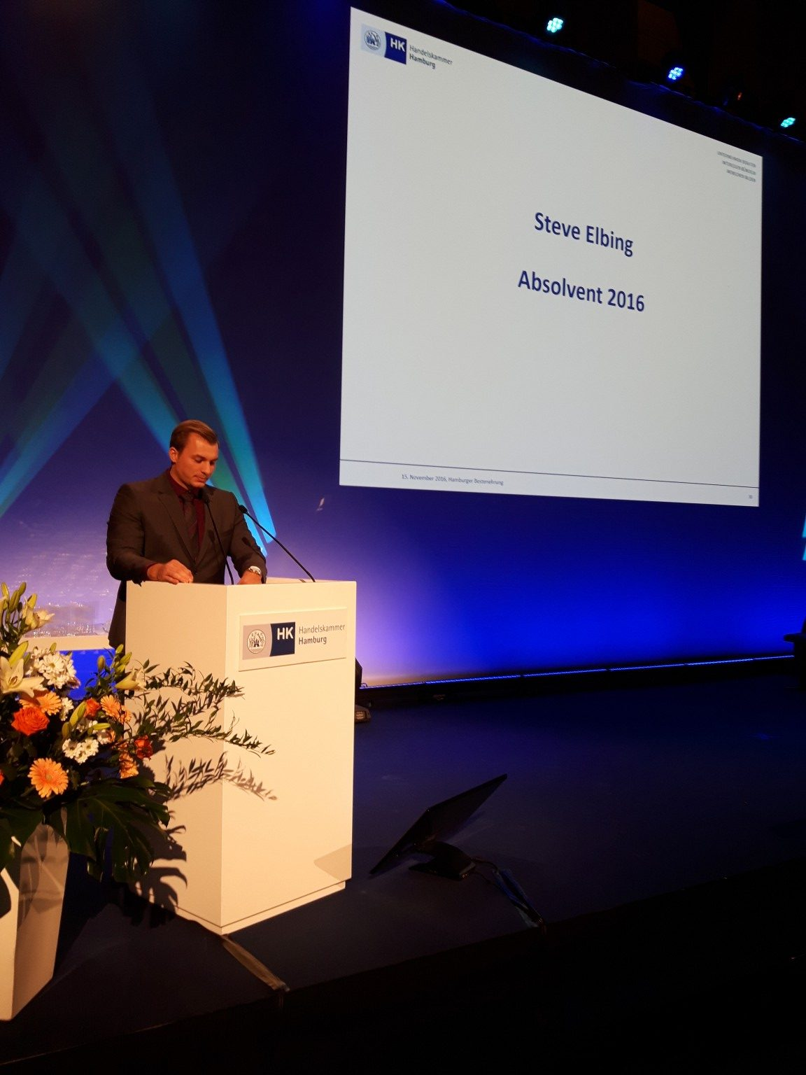 Steve Elbing, Automobilkaufmann